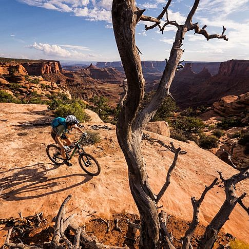 Riding the Dead Horse Point trails in Moab Utah